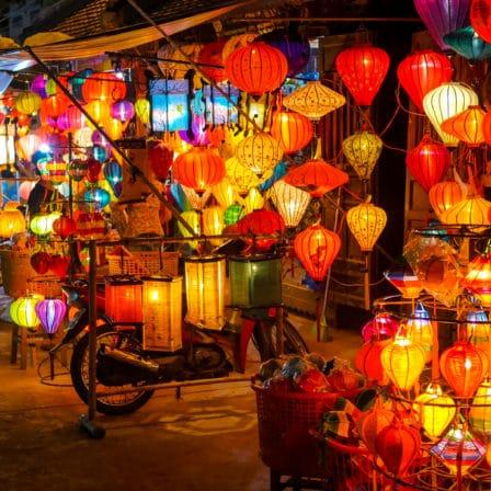 Lys og lamper på vietnamesisk marked