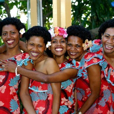 Glad kvinder i Fiji