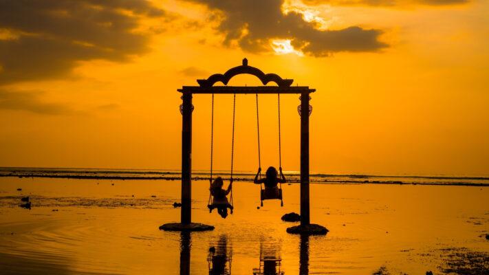 Gynge på strand på Gili-øerne